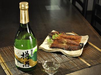 鰻と樽酒.jpg